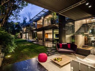 Jardines de estilo  por grupoarquitectura