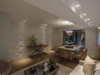 Pareti & Pavimenti in stile moderno di Lívia Bonfim Designer de Interiores Moderno