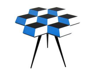 'CUBE 7' side table di ROCKMAN & ROCKMAN Moderno