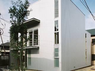 シンプル住宅 モダンな 家 の 桑原建築設計室 モダン