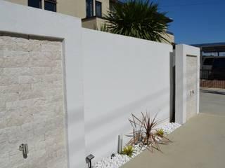 N様邸: 有限会社 グランドワークスが手掛けた庭です。