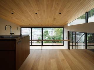 自然素材のいえ: ピコグラム建築設計事務所が手掛けたダイニングです。