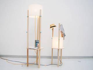 Livings de estilo escandinavo por Valerie Hebel Produktdesign