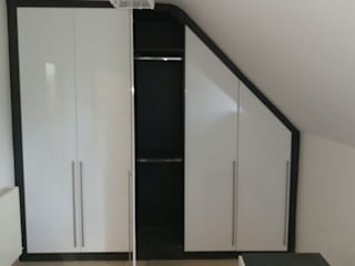 Angled top wardrobe de Capital Bedrooms Moderno