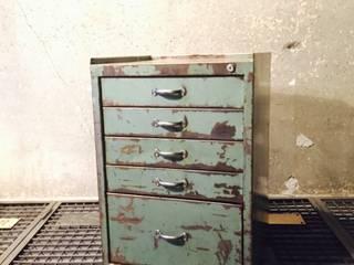 Interiror Urban Industrial ArbeitszimmerAufbewahrungen Metall Grau