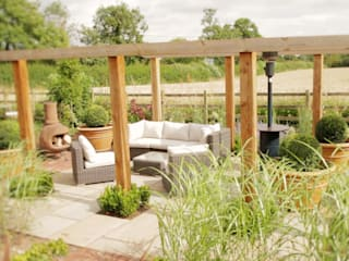 The Barn Garden-Warwickshire de Matt Nichol Garden Design Ltd. Moderno