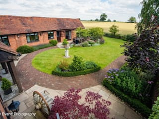 The Barn Garden-Warwickshire Jardines rurales de Matt Nichol Garden Design Ltd. Rural