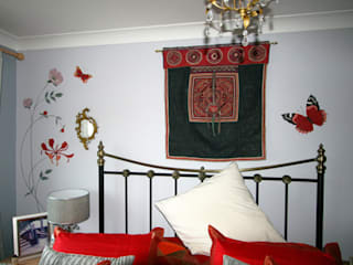 Carol's Gorgeous Grey Bedroom Mural :   by The Creative Decorator