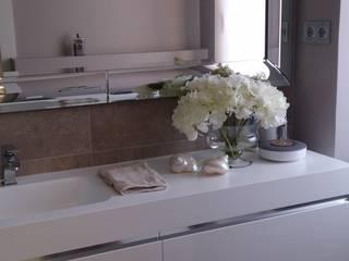 Baños de estilo moderno de BONSAI S.L Moderno