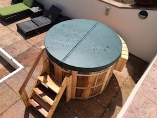 Northern Lights hot Tubs and Sauans by Cedar Hot Tubs UK Country