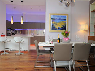 Open plan Dining:  Dining room by NSI DESIGN LTD
