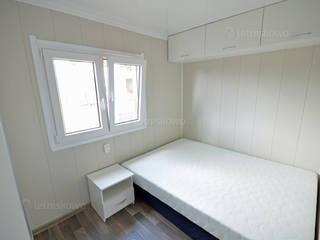 Phòng ngủ phong cách hiện đại bởi Letniskowo.pl Sp. z o.o. Sp.k. Hiện đại