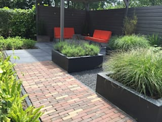 Сад в стиле модерн от Biesot Модерн
