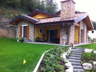 Edil One Bergamo srl Classic style balcony, veranda & terrace