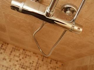 Salle de bain:  de style  par acjcarrelage.fr