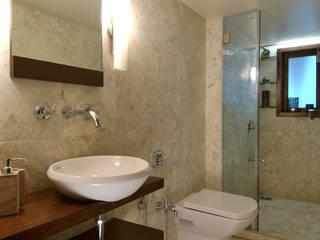 Bathroom by homify, Minimalist