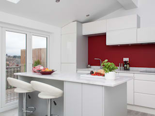 war of the roses Chalkhouse Interiors Minimalist kitchen