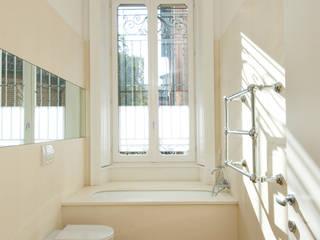 Appartamento Via Sassi - Milano Bagno in stile classico di PADI Costruzioni srl Classico
