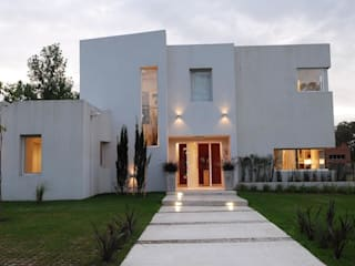 Estudio de Arquitectura Clariá & Clariá Casas estilo moderno: ideas, arquitectura e imágenes