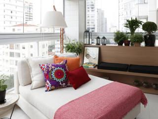Balcone, Veranda & Terrazza in stile eclettico di Duda Senna Arquitetura e Decoração Eclettico