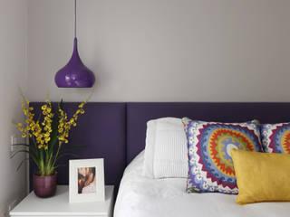 Duda Senna Arquitetura e Decoração 臥室床與床頭櫃