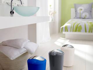 Poubelle et design par Salle de Bains Déco.com Moderne