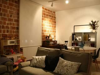 Salón estado definitivo: Salones de estilo  de Lidera domÉstica
