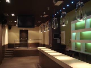 Interior estado definitivo: Bares y Clubs de estilo  de Lidera domÉstica