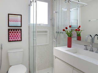 Duda Senna Arquitetura e Decoração Eclectic style bathrooms