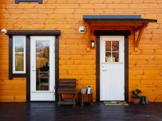 ログハウスの壁: 木の家株式会社が手掛けた家です。
