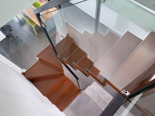 homify Couloir, entrée, escaliers industriels