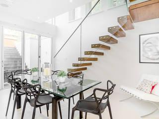Modern Living Room by ELK Fertighaus GmbH Modern