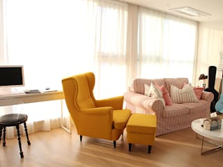 LivingRoom SheerCurtain: 모린홈의  거실