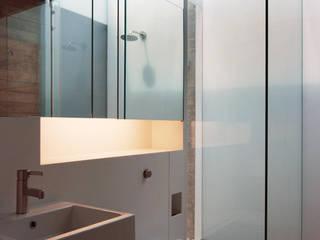 Bathroom Modern bathroom by Eldridge London Modern Synthetic Brown