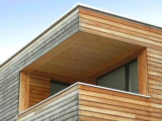 Minergie Wohnhaus Moderner Balkon, Veranda & Terrasse von Architekturbüro André Schär Dipl. Arch. FH Modern