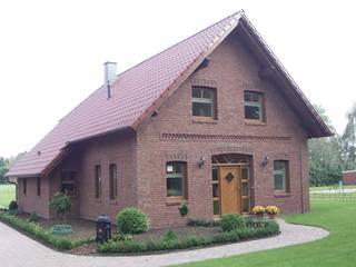 Friesenhaus: landhausstil Häuser von Architekturbüro Heuer