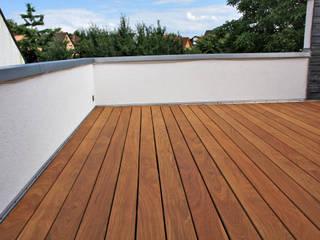 Kahrs GmbH Tropical style balcony, veranda & terrace Brown