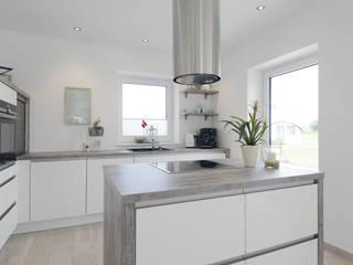 現代廚房設計點子、靈感&圖片 根據 Danhaus GmbH 現代風