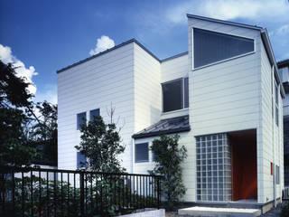 シンプルに: 加藤將己/株・将建築設計事務所が手掛けた家です。