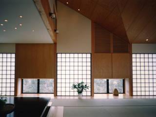 Living room by 加藤將己/将建築設計事務所,