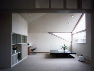 modern  by 加藤將己/将建築設計事務所, Modern