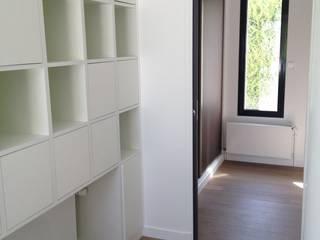 Entrée Bibliothèque:  de style  par Steiner architecture intérieure