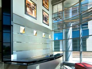 BT Mimarlık – Tenay Elektronik Yönetim Binası:  tarz