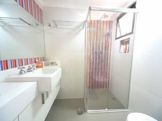 Modern style bathrooms by Item 6 Arquitetura e Paisagismo Modern