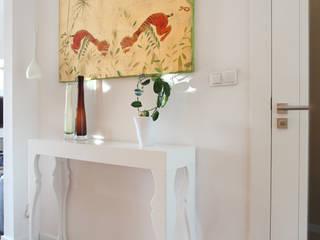 Corredores e halls de entrada  por Tarna Design Studio