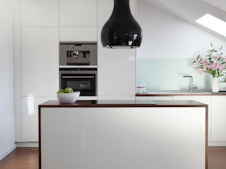 Kitchen by Tarna Design Studio, Modern