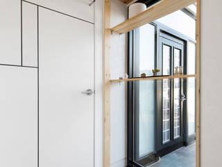 가회동 리모델링 프로젝트: 비에스디자인건축사사무소의  복도 & 현관
