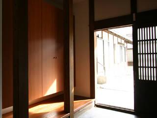 「和泉中央の家・古民家改築」: SADOが手掛けたクラシックです。,クラシック
