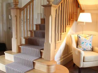 Stairs:  Corridor & hallway by JBA Architecture