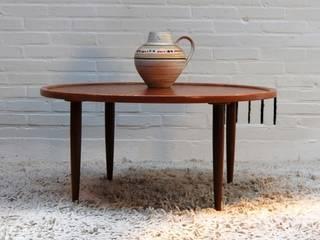 Table basse Danoise vintage :  de style  par DESIGN MARKET